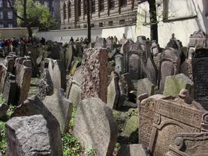 Joodse begraafplaats 200czk: 8 euro Ook toegang tot maisel synogoge, spaanse synogoge, pinkas synogogue,