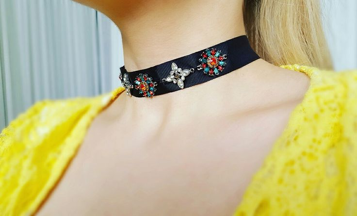 #choker #necklace #flowers