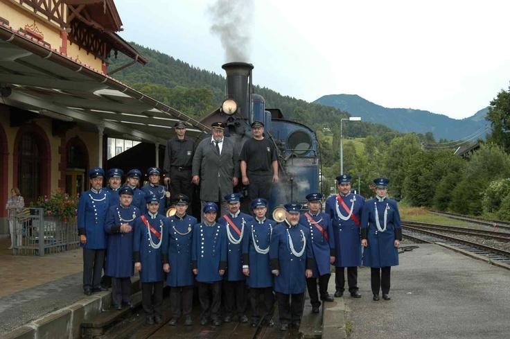 The Guys of Bavarain Local Railway Club playing Choo Choo :-)  Cool uniforms though :-)