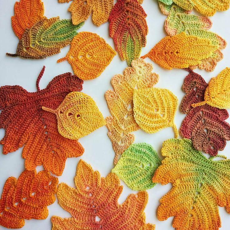 Sexta com clima friozinho de outono, a vontade é ficar na cama. Bom dia! Hoje enxergando melhor graças à Deus🙏.. . . . 👉By @patterns.by.goolgool . . . #bomdia #bomdiafloresdodia #goodmorning #crochet #crochetaddict #handmade #crocheting #instacrochet #crochetlove #fiodemalha #trapillo #yarn #knitting #ganchillo #homemade #ilovecrochet #crochê #decor #instadecor  #decoration  #häkeln #örgü  #вязание  #كروشية #outono