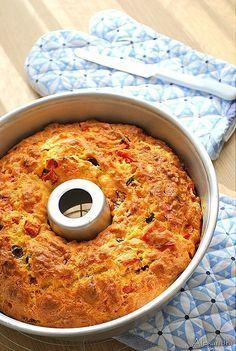 Κέϊκ πίτσα! με λάδι. Τα λόγια περισσεύουν...ιδανικό για σνάκ,για την δουλειά,για εκδρομή,για πάρτυ η την παρέα.