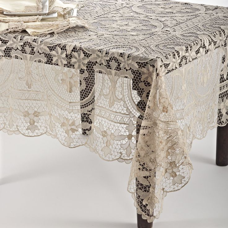Amazon Com Handmade Venice Lace Tablecloth 72 Inch X 108