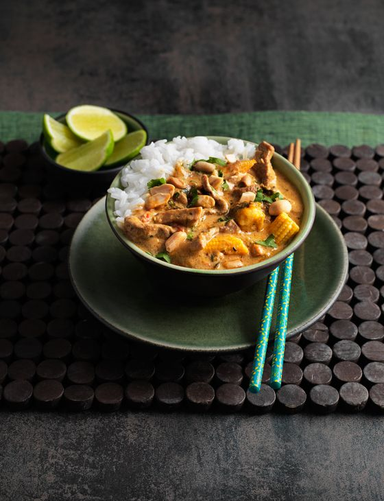 <3 <3 Spicy Thai Pork Curry <3 <3 This was good but I did not add the baby corn because it is not available and I recommend using half as much Thai Red Curry Paste...