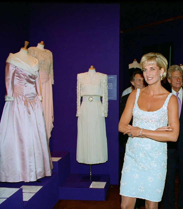 Αποτέλεσμα εικόνας για Princess Diana arrives at the Serpentine Gallery, London, June 1995. She is wearing a grey, beaded, halter-neck dress by Catherine Walker pics