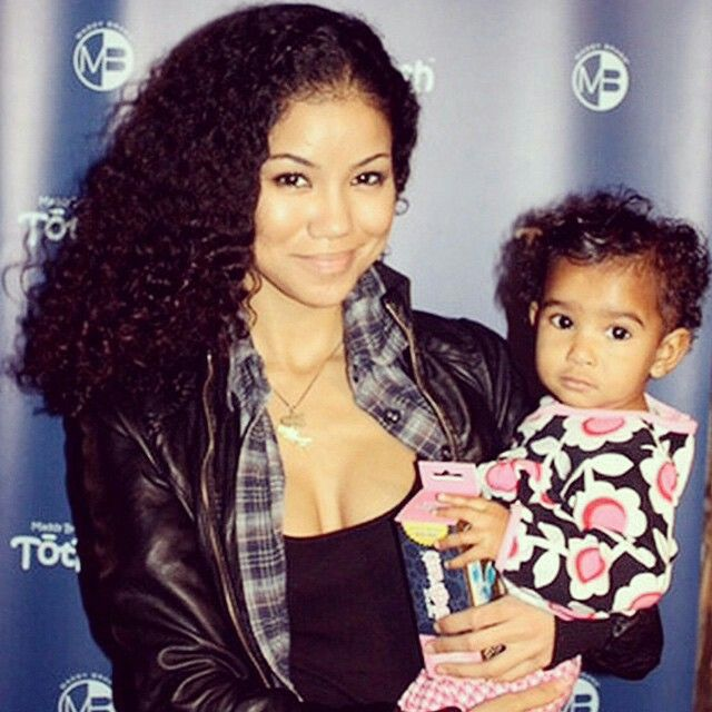 jhene aiko and daughter