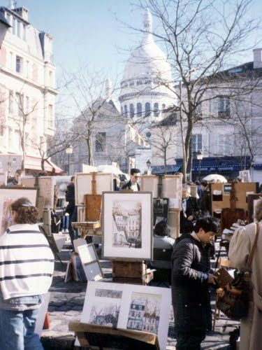 Local painters and artists on the Place du Tertre. Montmartre, Paris. This city has such a beautiful culture.
