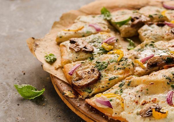 Egyszerű pizzatészta a serpenyőből - MINDENMENTES