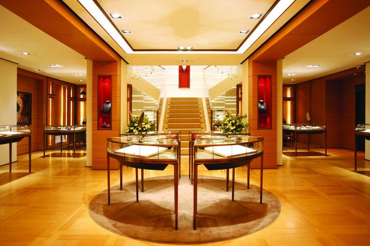 철저한 장인정신에의 자부심은 고객을 향한 세밀한 정성으로 확장되고, 까르띠에 주얼리 하우스는 1:1 맞춤 서비스인 '셋 포 유 바이 까르띠에(Set For You by Cartier)'를 제공한다. | Lexus i-Magazine Ver.4 앱 다운로드 ▶ www.lexus.co.kr/magazine  #Lexus #Magazine #Cartier