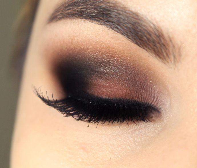 Rola usar em todo o olho (pálpebra e côncavo).