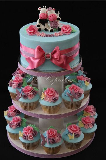 white wedding cake cupcakes 17 best images about wedding cakes on cupcake 27338