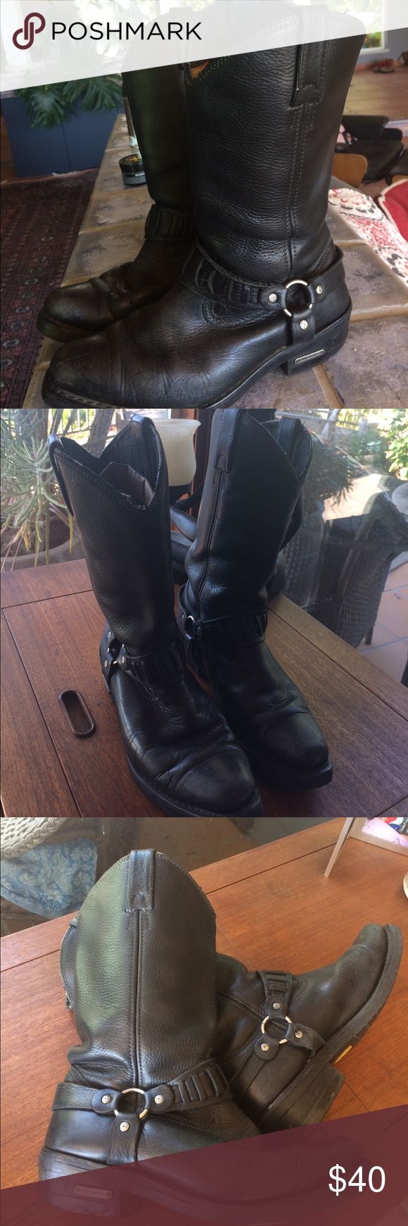 Harley Davidson black motorcycle boots Excellent black leather Harley Davidson motorcycle boots nicely broken in but in excellent condition except for a bit of wear on back heels and slight rubbing at top of boots as shown in photo Harley-Davidson Shoes Boots