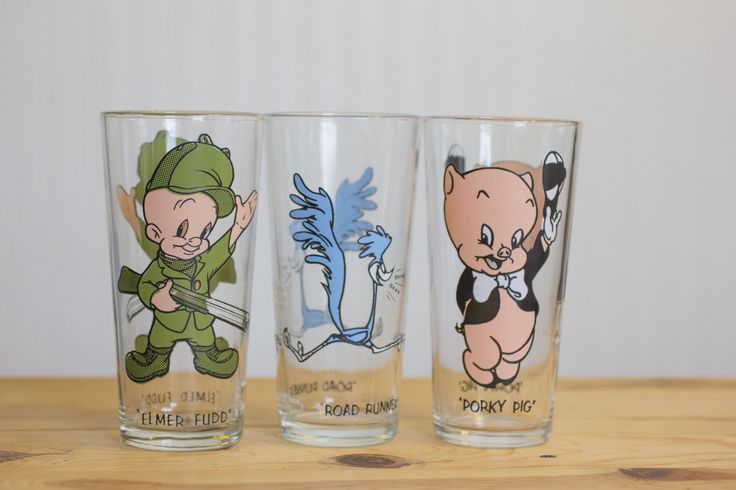 Vintage Looney Tunes - 1970's Glasses - Porky Pig, Elmer Fudd, Road Runner