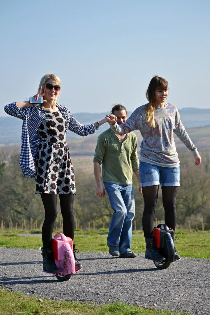 Airwheel! Want one!!!!