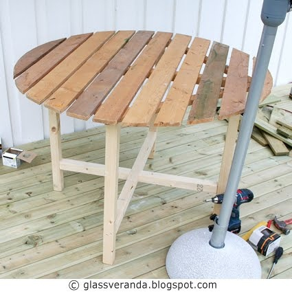 Glassveranda: Gjør-det-selv/DIY: Et rundt muntert frokostbord til terrassen