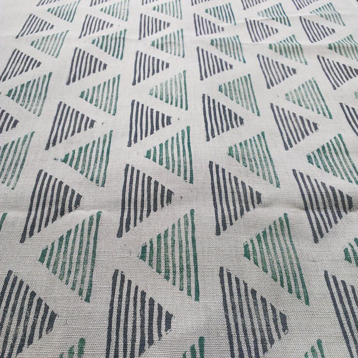 Textildruck mit selbstgemachten Stempeln.