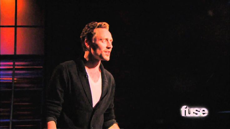 HOLY MOSES!! My 2nd favorite Shakespearean monologue (my first is St. Crispin's day also from Henry V) and Tom Hiddleston doing it!!!!!!!!!! <3 <3 <3  Tom Hiddleston Performs 'Henry V' Monologue