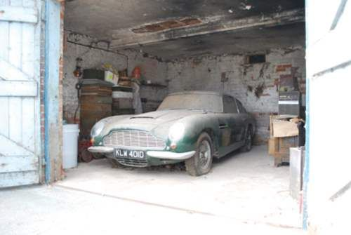 Why..oh why..oh why!!! Covered in dirt and rust, down on it's tyres and looking nothing at all like the proud road rocket it really is. If you can buy it, and fix it up nice, your looking at a classic car worth in excess of £260,000!! 1966 Aston Martin DB6