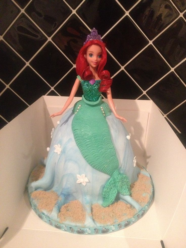 Princess Ariel cake - happy little girl!