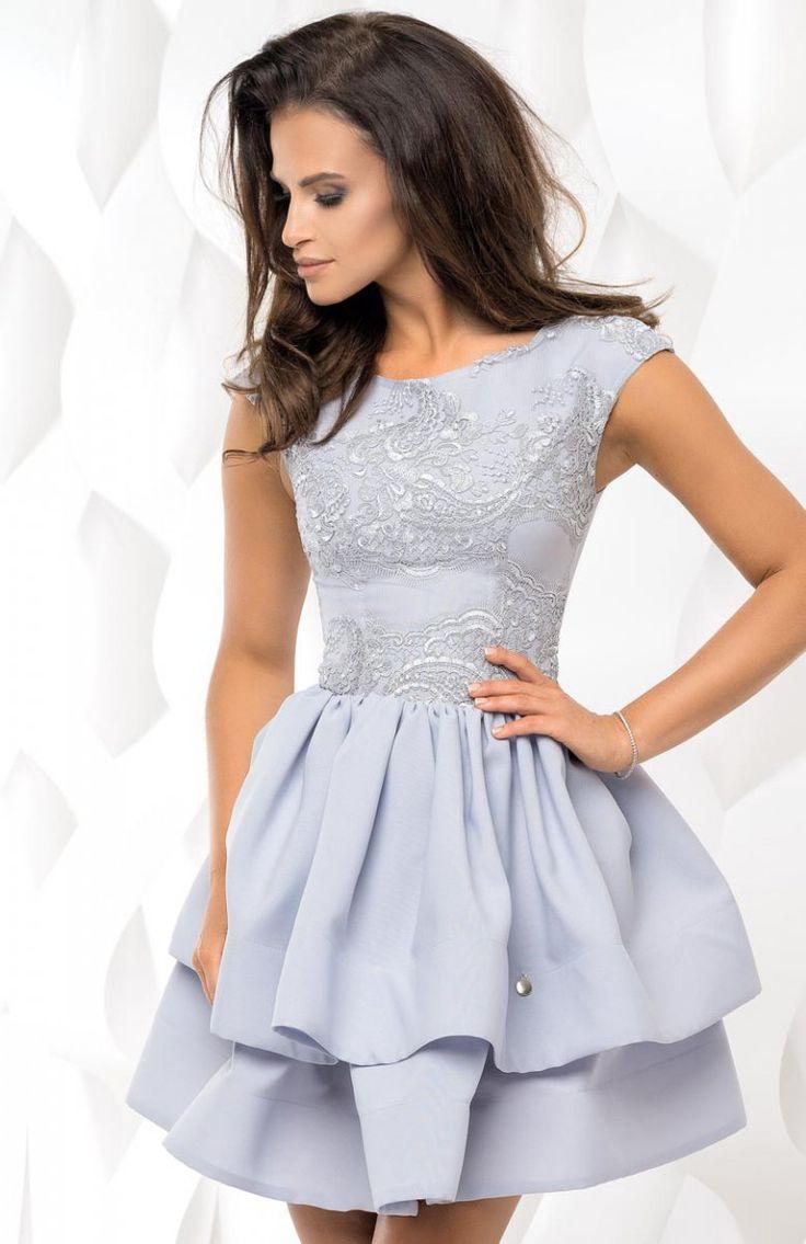 Bicotone 2117-03 sukienka szara Wyjatkowo kobieca sukienka, piękny rozkloszowany fason, góra dopasowana ozdobiona koronką