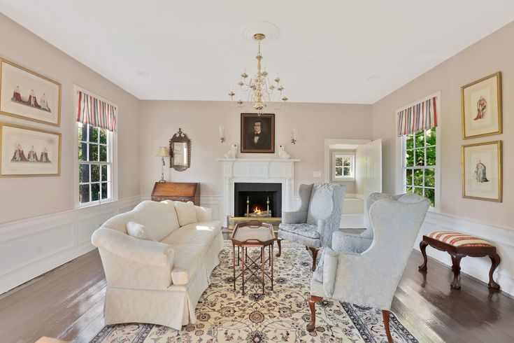 UNIQUE OPPORTUNITY TO OWN A HISTORICAL HOME (LITTLE PLYMOUTH). *ORIGINALLY OWNED BY JOHN ROBINSON, DELEGATE, SPEAKER OF THE HOUSE OF BURGESSES 1738-1766, TREASURER OF THE VIRGINIA COLONY. HOME IS L…