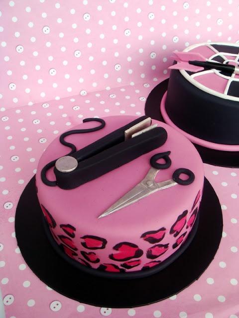 Pink leopard hairdressing cake    http://butterheartssugar.blogspot.com.au/2013/01/goodbye-2012-hello-2013.html