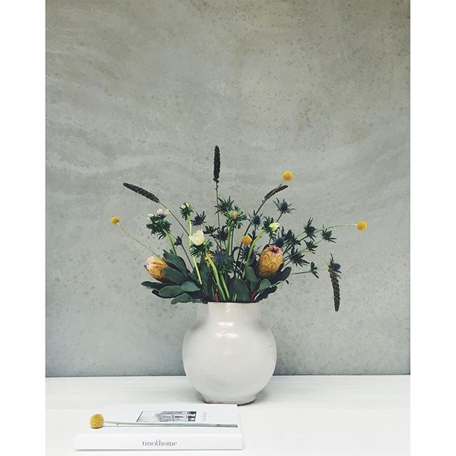 New flowers in our Vasemaroc #tinekhome #tinek #flowers #ceramics #springcolors