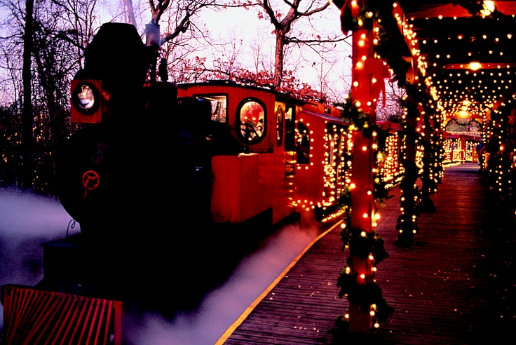The Frisco Sing-Along Steam Train at Silver Dollar City ...