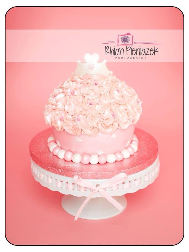 Princess cake. Cakes By Helzbach. Rhian Pieniazek Photography.