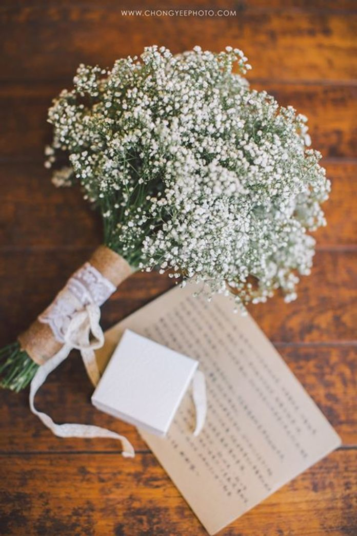 Baby breath wedding bouquet | The Wedding Of Stella & Stanley by ChongYee Photography | http://www.bridestory.com/chongyee-photography/projects/the-wedding-of-stella-stanley Düğün #Wedding http://turkrazzi.com/ppost/515380751090502456/