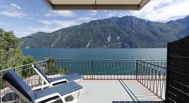 Kurzurlaub mit Hund am Gardasee: 3 Tage im 4-Sterne Hotel direkt am See + Frühstück, Wellnesscenter & vielen Sportmöglichkeiten ab 39 € - Urlaubsheld   Dein Urlaubsportal