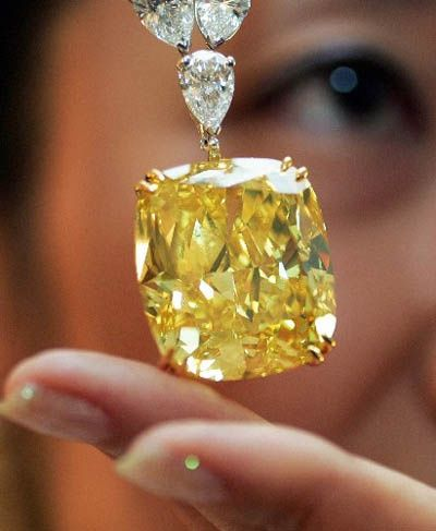 100-carat yellow diamond: every girl needs one (especially THIS girl)!!