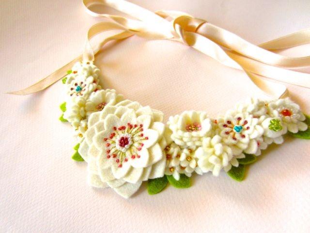 Lovely felt flower necklace by Ikuko Fujii
