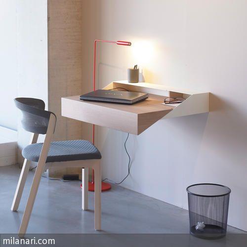 Als Wandsekretär oder schlichte Konsole hat das puristische Möbel viel zu bieten. Als kleiner Arbeitsplatz um Ihre Emails zu checken oder zusammengeschoben…
