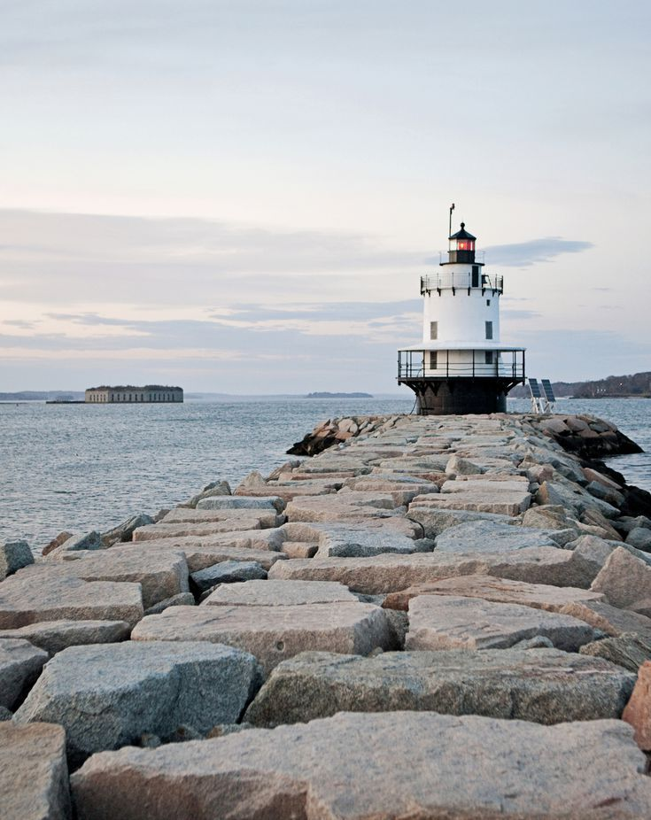 Visit These 5 Lighthouses Near Portland Maine Maine Lighthouses Lighthouse Maine