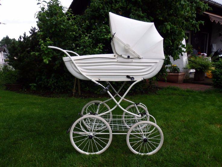 die besten 17 ideen zu korbkinderwagen auf pinterest puppenwagen korb retro kinderwagen und. Black Bedroom Furniture Sets. Home Design Ideas