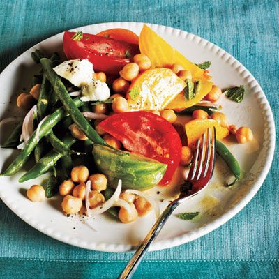 Fresh from the garden! Market Salad with Goat Cheese and Champagne-Shallot Vinaigrette Recipe