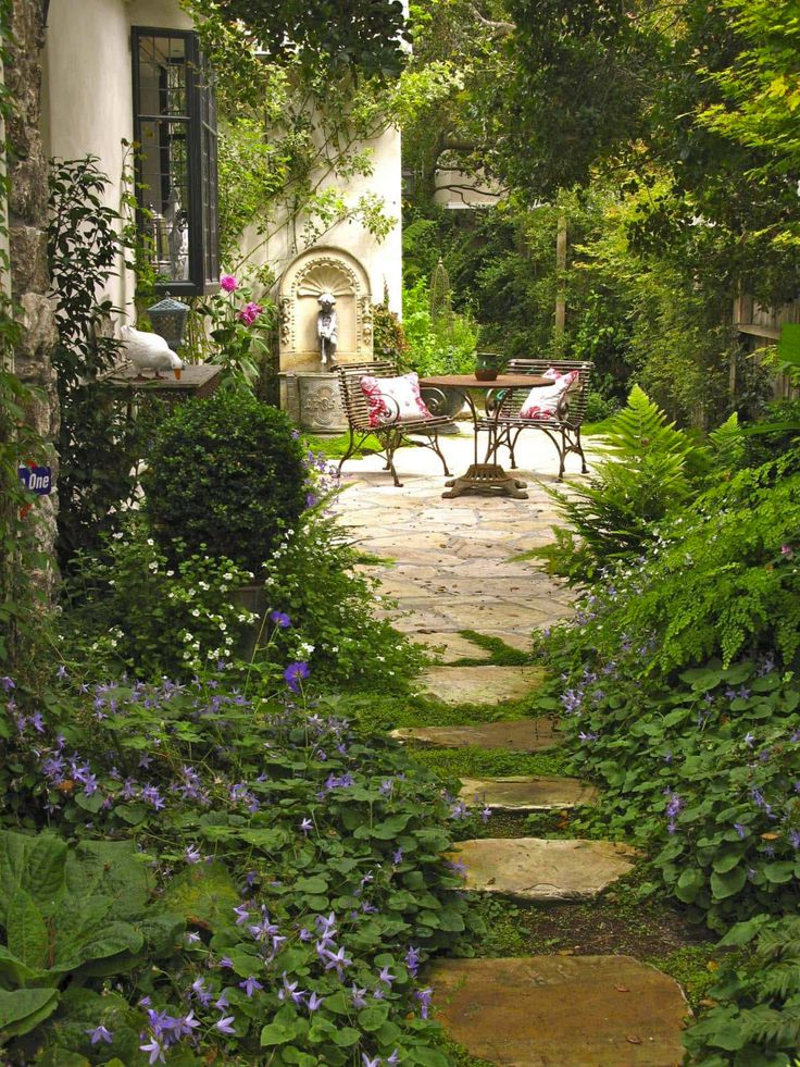 50 Very Creative And Inspiring Garden Stone Pathway Ideas