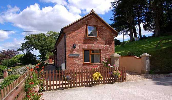 Ash Cottage Ash Cottage is a charming, detached barn conversion in Longdown, a delightful rural village on the edge of the Dartmoor National Park, just four miles from the bustling city of Exeter.    Within easy... #Holiday #homes  #Travel #Backpackers #Accommodation #Budget