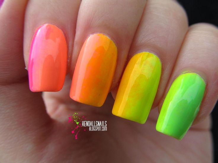 World Of Colors: World of Colors, czyli tęczowy gradient