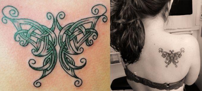 Бабочка в кельтском стиле - татуировка на лопатке девушки
