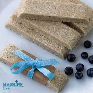 Batoane raw cu susan / Raw sesame bars - Madeline's Cuisine