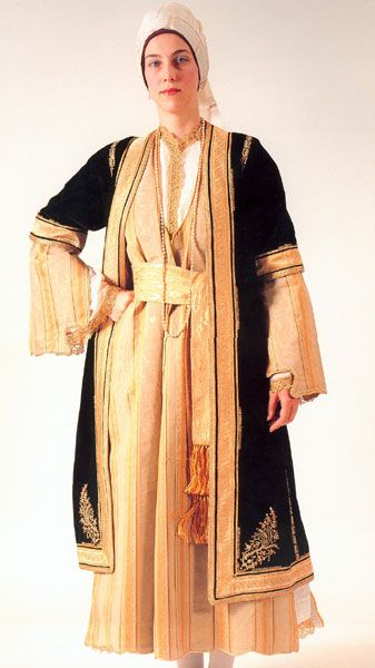 Lyceum of Hellenic Women of Kalamata – TRADITIONAL COSTUME COLLECTION