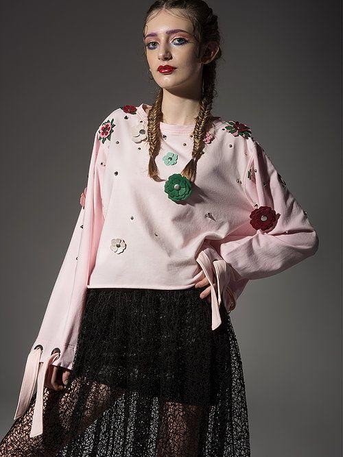 Bluza z odpinanymi kwiatami pudrowy róż