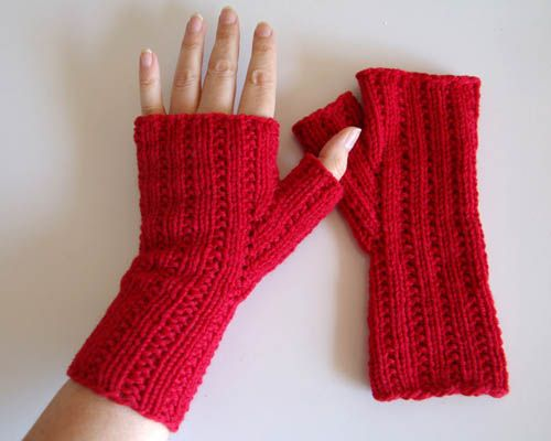 25+ best ideas about Knitted gloves on Pinterest Fingerless gloves knitted,...