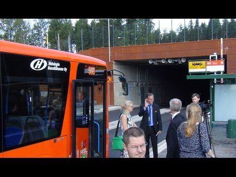 """Kuninkaantammen asukkaita palvelee kolme Helsingin sisäistä bussilinjaa sekä poikittaisliikennettä lisäävä runkolinja 560, joka otettiin käyttöön vuonna 2015 ja joka tulee kulkemaan alueen oman kylätalon, """"Tammitalon"""" editse. / Video from opening of bus line 560 which runs through Kuninkaantammi."""