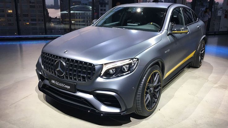 A l'occasion de l'édition 2017 du salon de l'Automobile de New York (New York International Auto Show, du 14 au 23 avril 2017), nous avons pu découvrir les nouveaux Mercedes-AMG GLC 63 4MATIC+, des voitures que nous vous présentons dans cette vidéo.  [S8691024W300 N][S8691026W300 N]