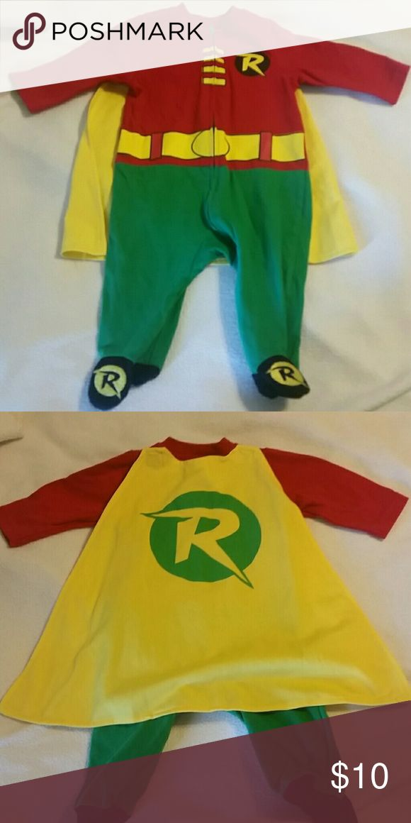 Robin 6 month bodysuit / costume Absolutely adorable! Worn 2x for Halloween parties. Costumes Superhero