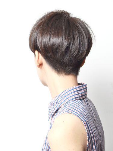 back view / subtle undercut