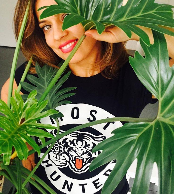 Wow! Thnx for your shot Mariam 😻  #shootselfiesnotwildlife #savewildlife #shootback #mosthunted #tiger #tshirt #beautifulshot #beautifulperson #lovelife #lovewildlife #lookgood #dogood #feelgood #sensiblefashion #fashionwithapurpose #awarenessfashion #dressforsuccess #jointhepack mosthunted.com #beastly #good streetwear