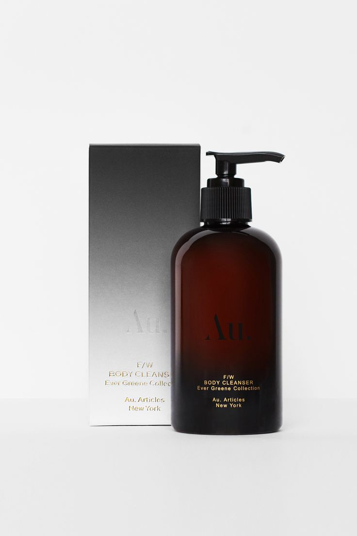 An invigorating body cleanser tailored for the Fall/Winter seasons, Ever Greene's deeply hydrating Body Cleanser combines premium ingredients from science & nature working in unison.   Featuring a unique fragrance of over 9 notes including 100% pure Patchouli, Atlas Cedar, Amyris, Bergamot, Juniper, Sandalwood, Cardamom & Geranium oils its vibrant fragrance also complements dermatological ingredients to cleanse, soothe and hydrate the skin.